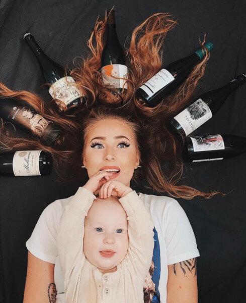 Vigneronne et ses bébés